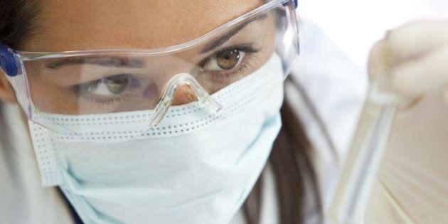 Quel soffitto di cristallo che ostacola le donne nelle scienze e nella
