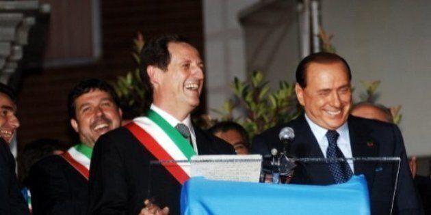 Berlusconi al telefono con Mantovani e la promessa di un lavoro al fratello del consigliere comunale...