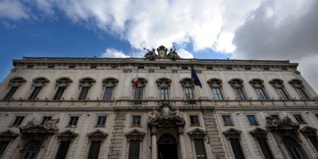 Legge Severino, per la Consulta è legittima. Principali interessati Vincenzo De Luca e Luigi De