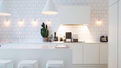 8 trucchi per un arredamento total white (senza far diventare la casa