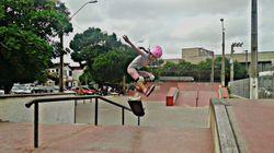 Il trick della piccola skater travestita da fata