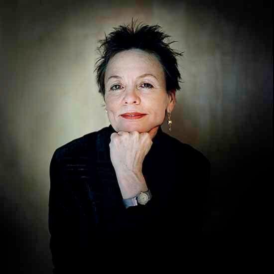Immagini, musica, riflessioni: Laurie Anderson e lo spirito di Lou