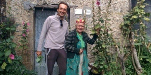 Eva Domenici, l'ultima abitante del borgo Campallorzo che vive felice sui