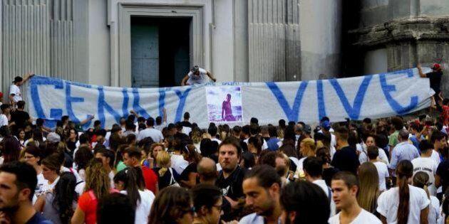 Morte di Genny, Napoli lotta per ribaltare il suo nome. Funerali pubblici e stop alle altre celebrazioni....
