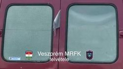 Italiano fermato in Ungheria con 33 siriani a bordo: