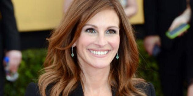 Julia Roberts posta su Instagram una propria foto senza make-up e scrive