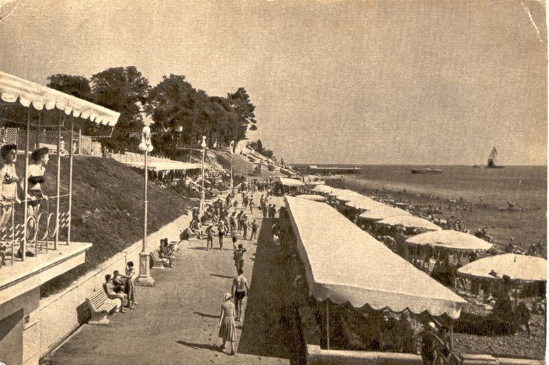 "Vereschaginsky beach, 1958. (<a href=""http://opensochi.org/node/163"">Sochi Branch</a> of Russian Geographic Society)"