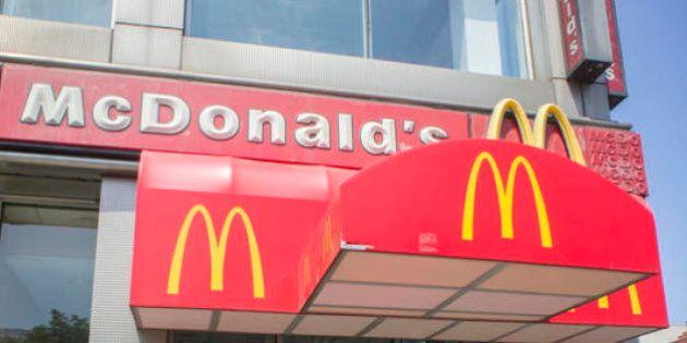 Come il modello aziendale di McDonald's danneggia i consumatori