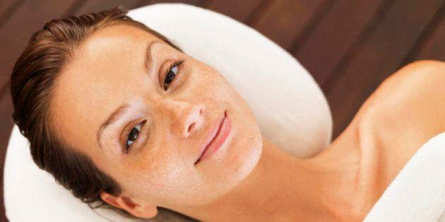 5 cose che ogni donna dovrebbe fare per avere una pelle migliore