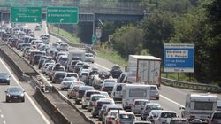Inizia l'esodo, bollino rosso sulle autostrade nel week end: ecco le tratte a