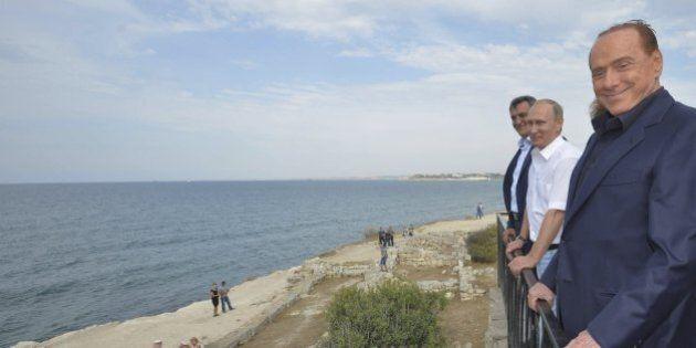 Crimea, il ministro degli esteri dell'Ucraina condanna la visita di Silvio Berlusconi: