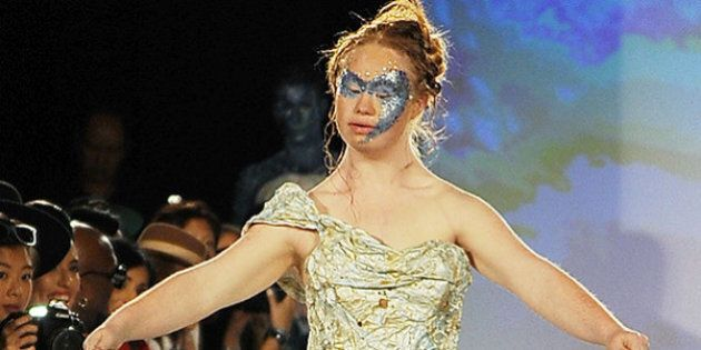 Madeline Stuart, la ragazza con la sindrome di Down che ha sfilato alla New York Fashion Week