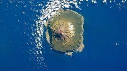 A.A.A. Isola più remota del mondo cerca professore. Richiesta voglia di vivere
