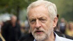 Corbyn promette battaglia: