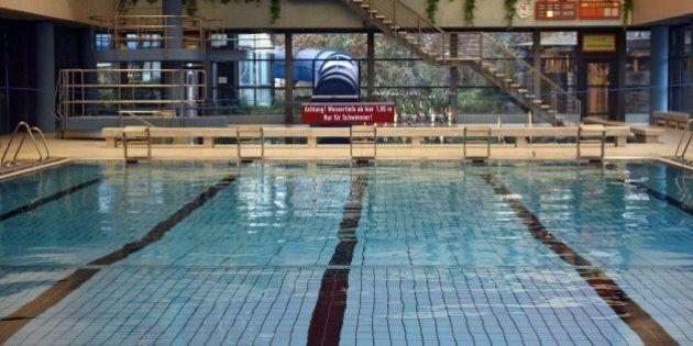 Dopo i fatti di Colonia, una piscina di Bornheim vietata ai profughi maschi: