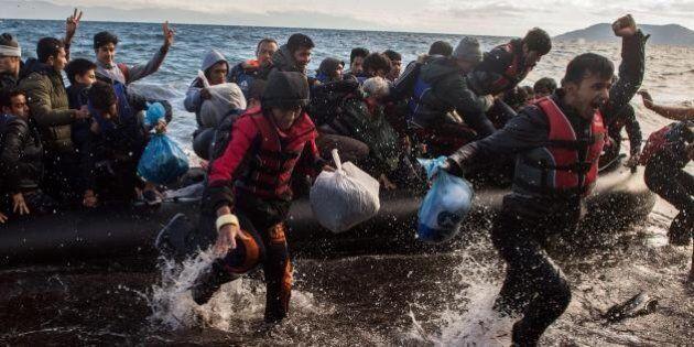 Migranti: Europol, ai trafficanti 2,7-5,5 miliardi di euro nel