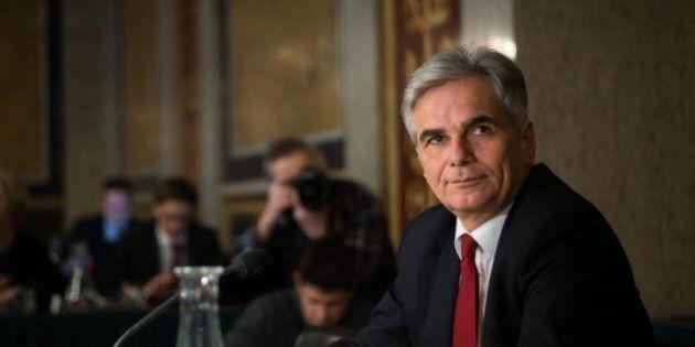 Werner Faymann si è dimesso da Cancelliere austriaco e dalla guida del Spo. Pesa la sconfitta al primo...
