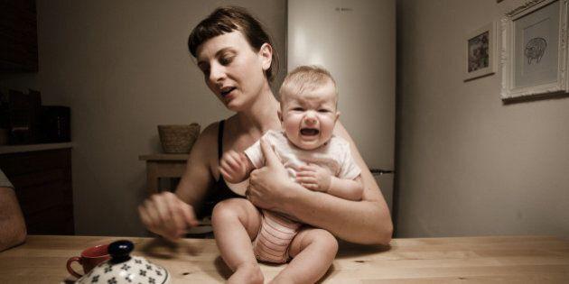 Claudia Corrent con il progetto 'Mother' ha fotografato il legame profondo tra mamma e
