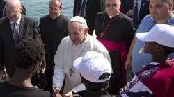 Il Papa in visita a Lesbo, per guardare il mondo con gli occhi degli