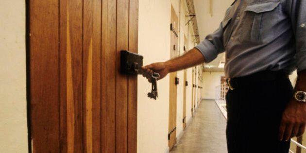 Rapporto Antigone, cresce il numero dei detenuti: