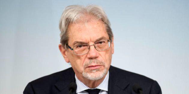 Claudio De Vincenti interrogato da pm Potenza nell'indagine Tempa Rossa. Assente al Cdm, non ricorre...