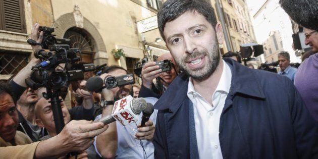 In Basilicata sostituito il presidente del Consiglio anti-renziano Piero Lacorazza. Roberto Speranza: