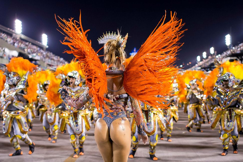 Rio carnival booty — pic 6