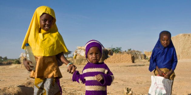 These young Nigerian girls are heading off to school in Niger's Diffa region. Continuing their education...