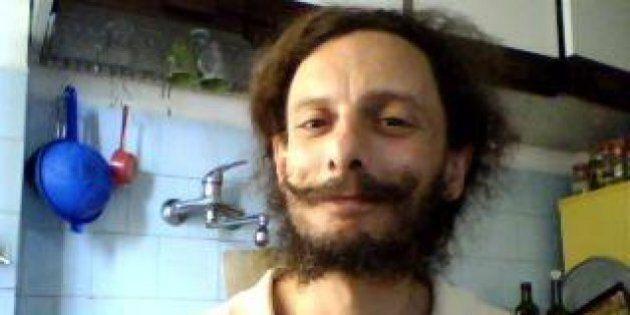In carcere per aver coltivato marijuana, Fabrizio Pellegrini dorme sul pavimento per alleviare i
