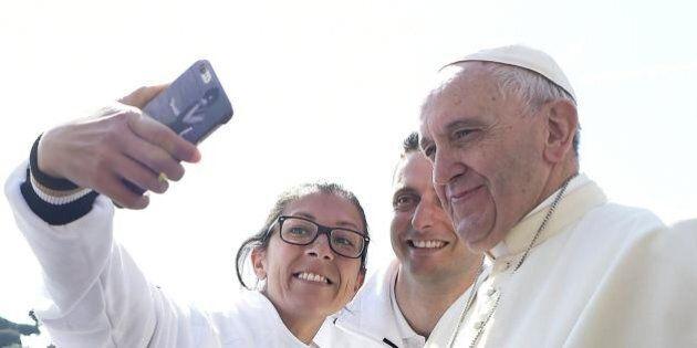 Sacerdozio per le donne, papa Francesco istituirà una commissione sul diaconato femminile: