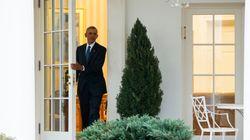 Obama lascia per l'ultima volta lo studio ovale, non prima di aver lasciato un messaggio a