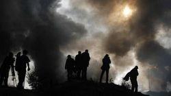 Colonna di fumo nero e tensione a Calais.