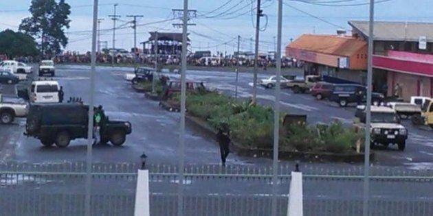 Papua Nuova Guinea, gruppo armato prende ostaggi in supermercato. Liberati dopo il blitz della