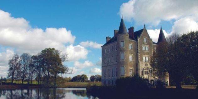 Vendono un bilocale a Londra e comprano un castello di 47 stanze in Francia risparmiando quasi la metà