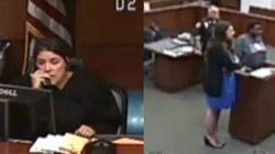 La prigione manda in tribunale una donna nera senza pantaloni. Il giudice reagisce