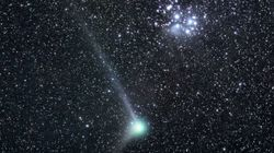 La cometa che sta lasciando nello spazio più alcol di 500 bottiglie di vino al