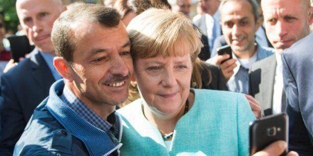 I profughi mettono in pericolo Angela Merkel. La Cdu crolla. Wolfgang Schaeuble si rivolta contro la