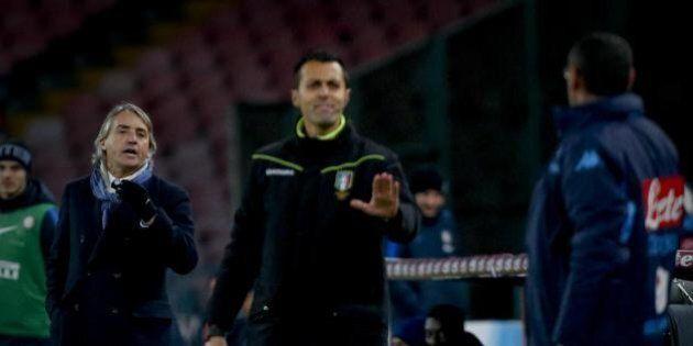 Calcio, Maurizio Sarri squalificato per 2 giornate e multato con 20mila euro per gli insulti a Roberto