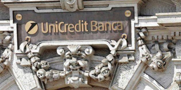 Le banche affossano piazza Affari: Mps perde il 16,1%. Renzi: