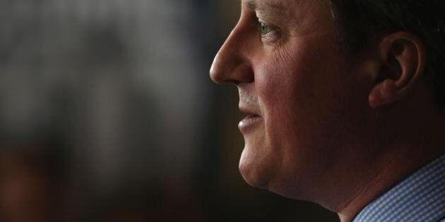 Panama Papers, la stampa inglese contro David Cameron. Dal conservatore Daily Telegraph al Guardian,...