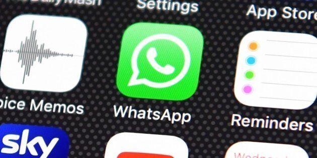 Doppia istruttoria Antitrust su WhatsApp. Faro su cessione dati a Facebook e su clausole