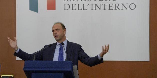 Amministrative 2016: Angelino Alfano propone di votare anche il lunedì. C'è l'intesa con Matteo