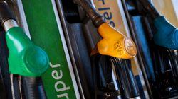 Ci risiamo: dal primo gennaio aumentano benzina e