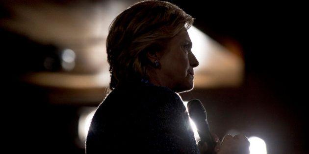 Hillary Clinton, l'Fbi riapre le indagini sulle mail dell'ex Segretario di stato. Trump