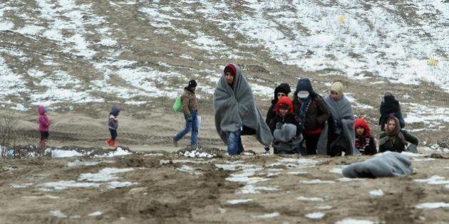 Schengen a rischio nel summit europeo ad Amsterdam sui profughi. Angelino Alfano: