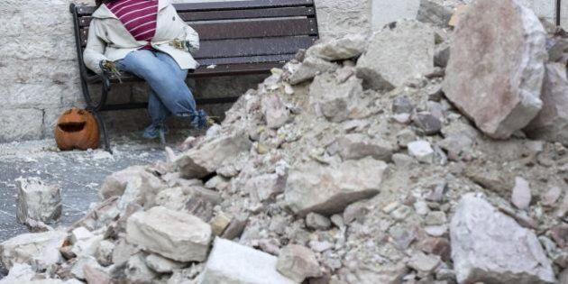 Terremoto, decine di scosse,