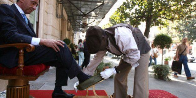 A Palermo decine di laureati e diplomati in fila per diventare