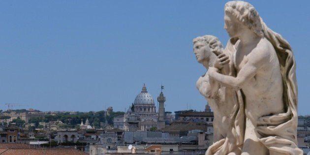 Referendum, la prima unione civile è tra Governo e Vaticano. Dalla Chiesa l'endorsement alle riforme