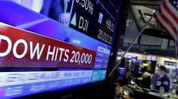 Prosegue l'effetto Trump a Wall Street. Il Dow Jones per la prima volta oltre i 20 mila