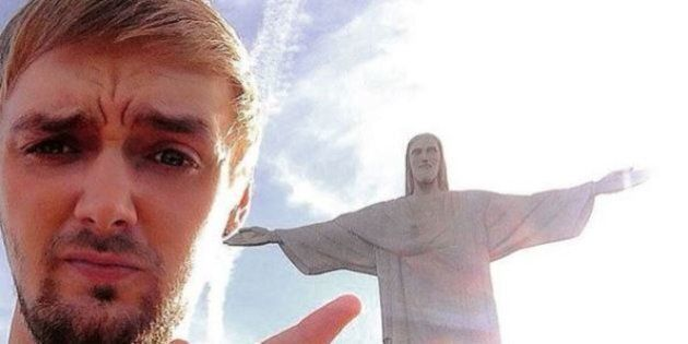 Ragazzo ubriaco prenota una vacanza in Brasile: